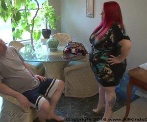 BBW On Her Knees Tube